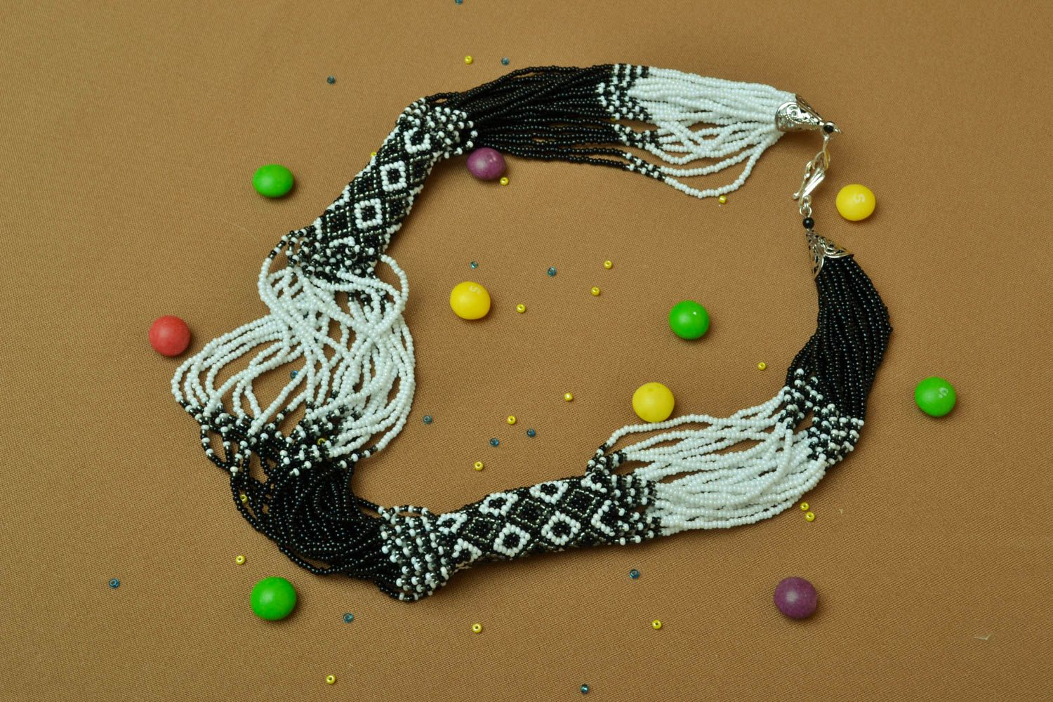 Black-and-white multi-row beaded necklace photo 5