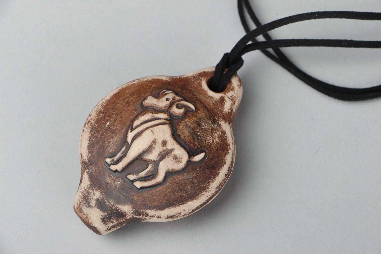 Кулон-свистулька из глины Овен фото 1