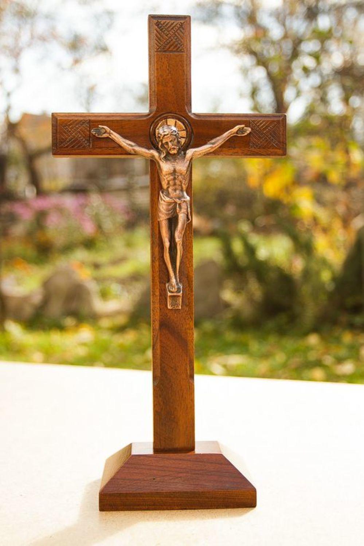 решили католический крест фото нас небольшой подарок