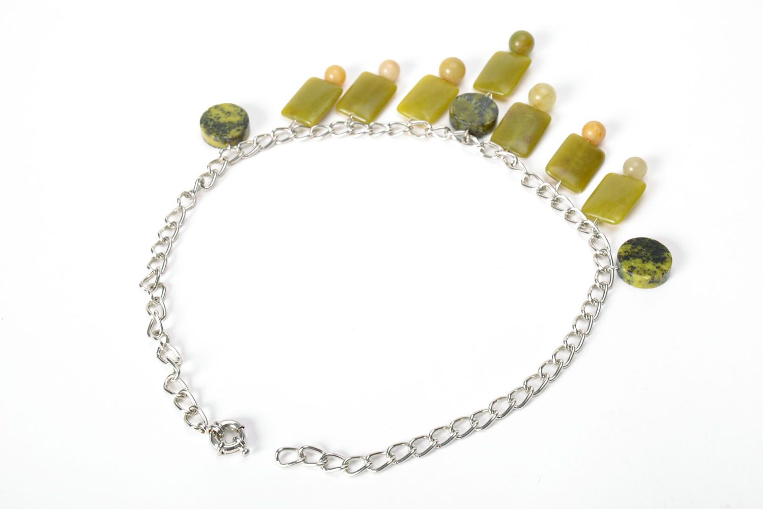Fashion necklace of olive color  photo 3