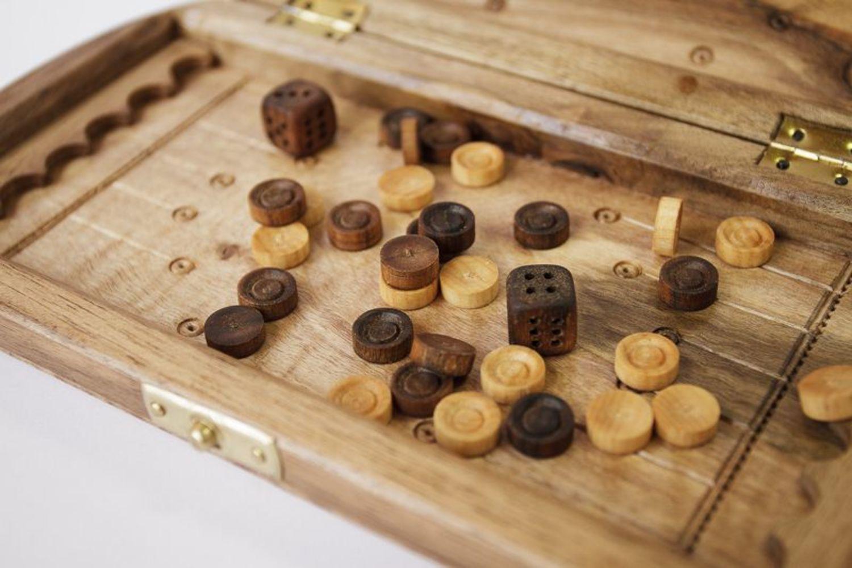 Backgammon made of natural wood photo 2