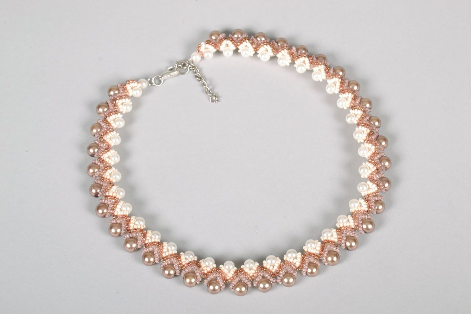 Necklace made of artificial pearl photo 3