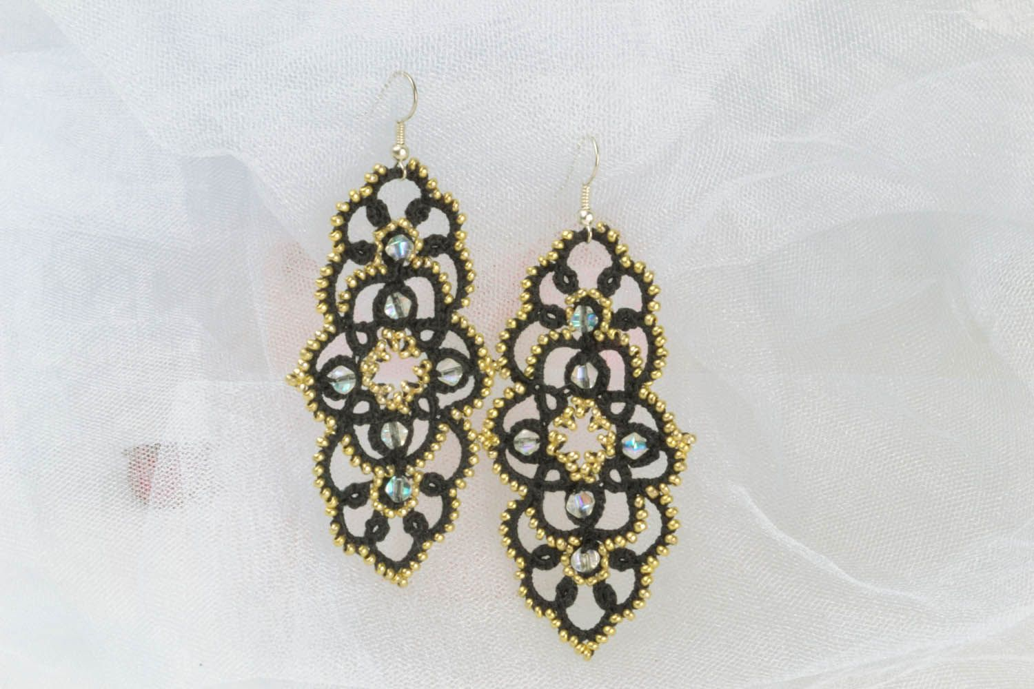 Lace dangle earrings photo 1