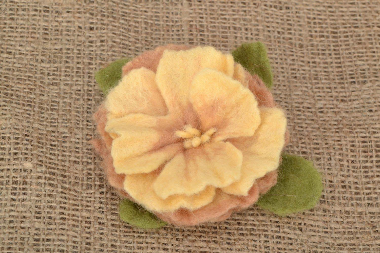 Brosche aus Wolle Rose foto 1