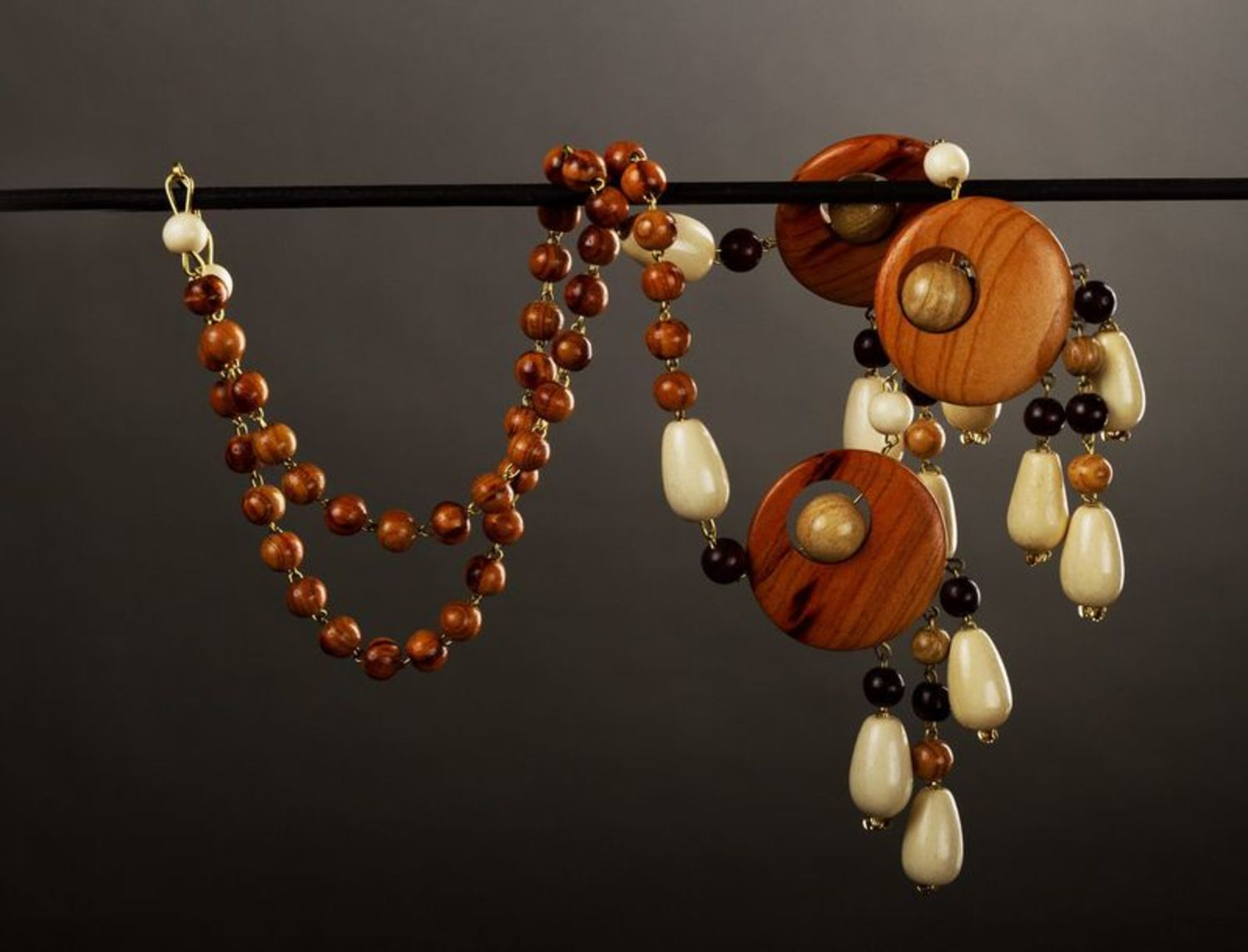Ethnic wooden necklace  photo 1