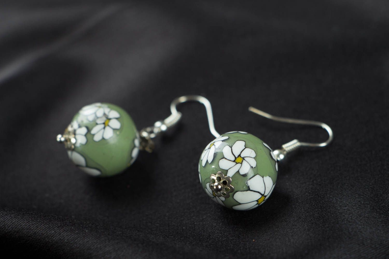 Künstlerische Ohrringe aus Polymerton foto 2