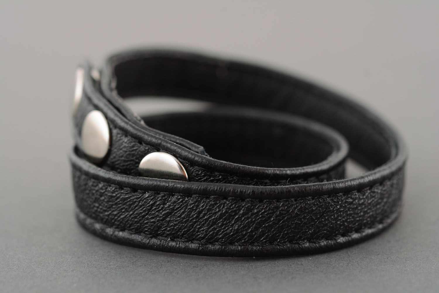Black leather bracelet photo 2