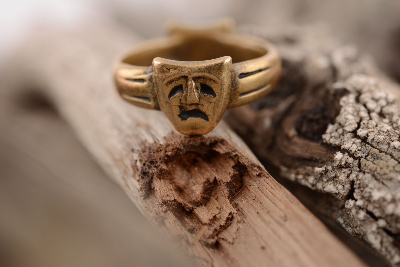 Кольцо из бронзы Маски фото 3