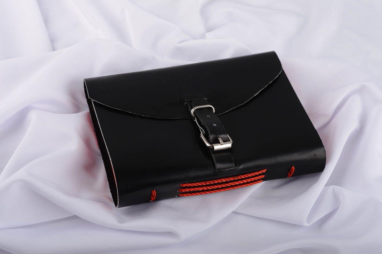 madeheart carnet de notes fait main journal intime en cuir noir cadeau original design. Black Bedroom Furniture Sets. Home Design Ideas