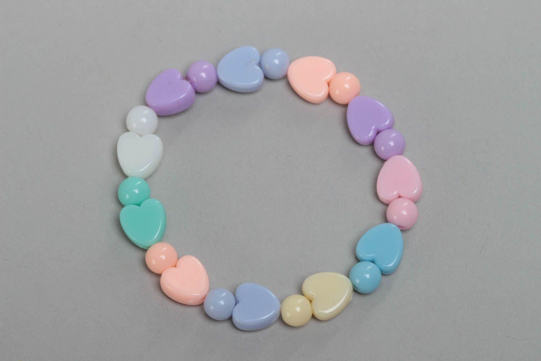 madeheart bracelet en perles plastiques coeurs fait main multicolore pour enfant. Black Bedroom Furniture Sets. Home Design Ideas