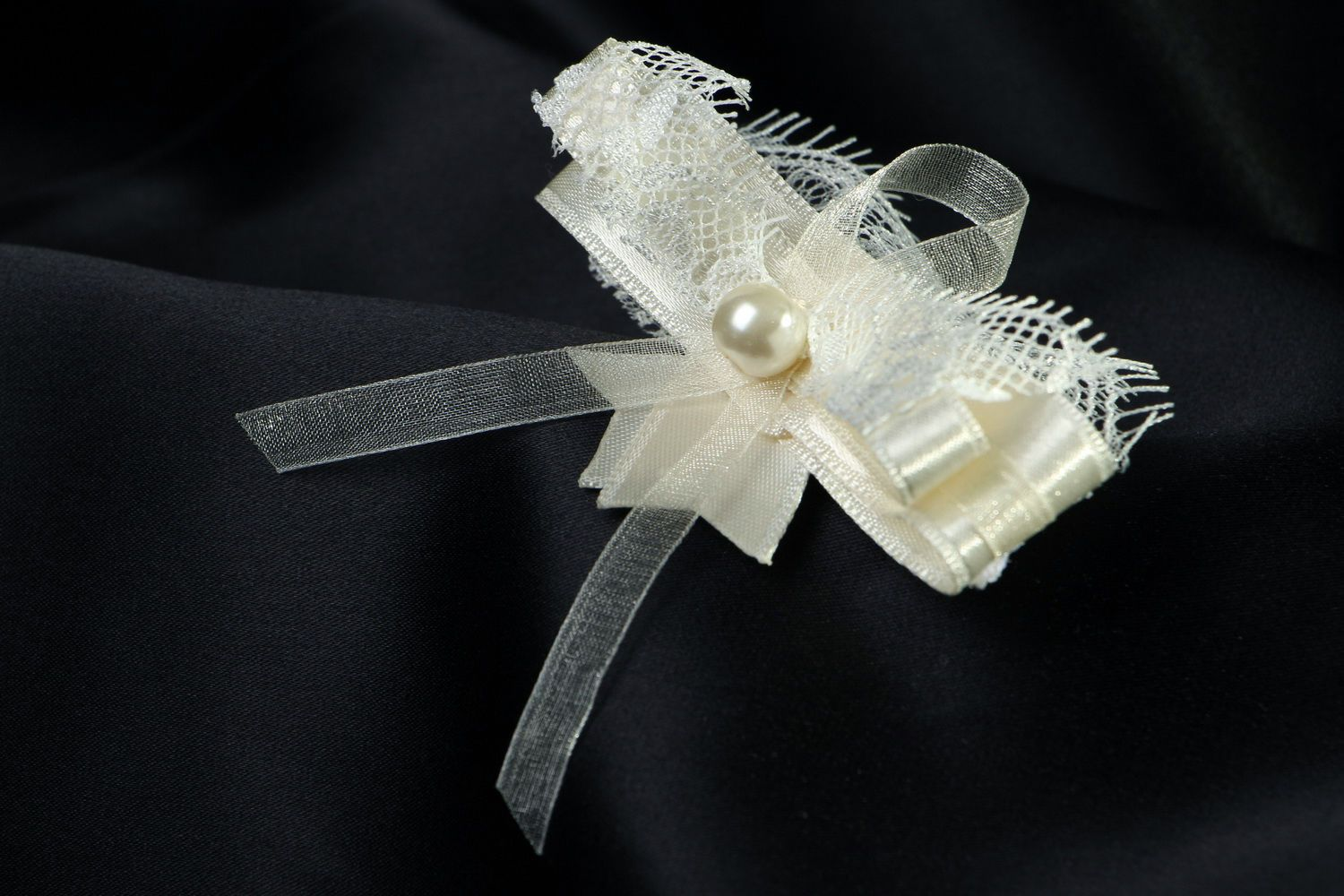 wedding accessories Boutonniere for groomsmaid - MADEheart.com