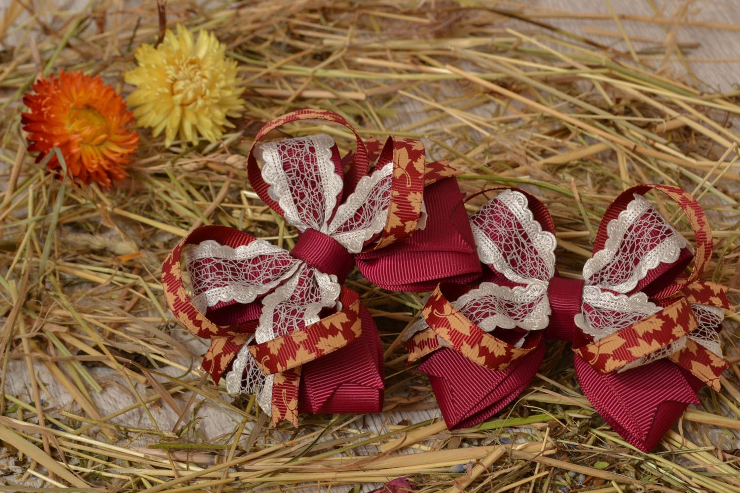 Deep red bow for hair clip photo 5