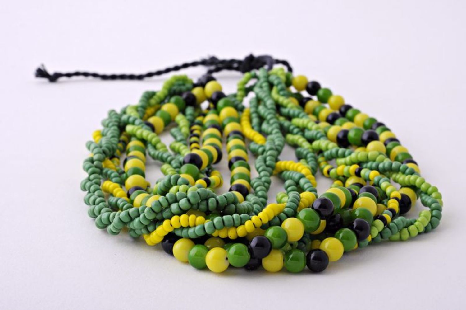 Green glass beads photo 2