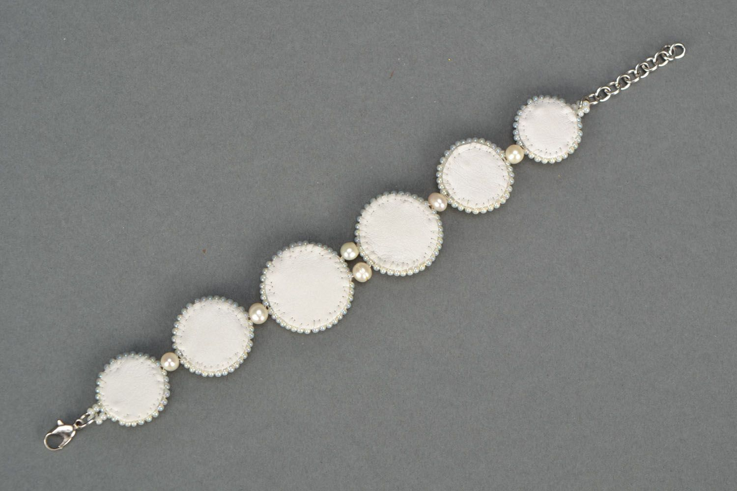 Handmade bracelet with nacre and pearl photo 4