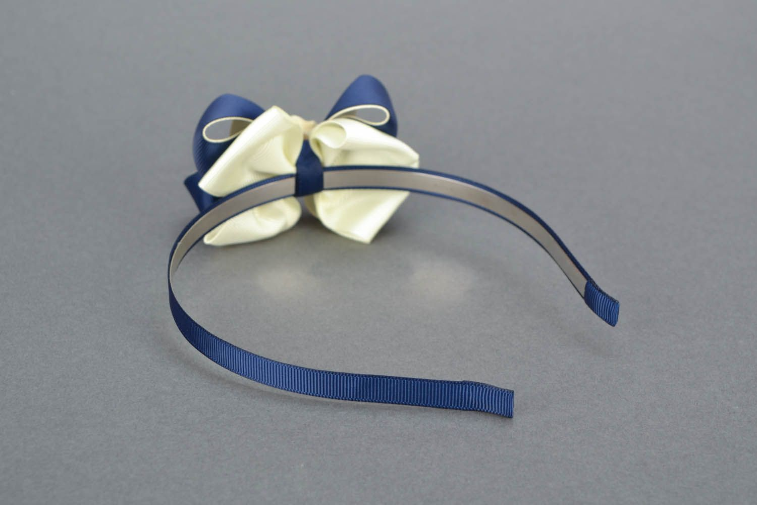 Headband with bow and flower photo 3
