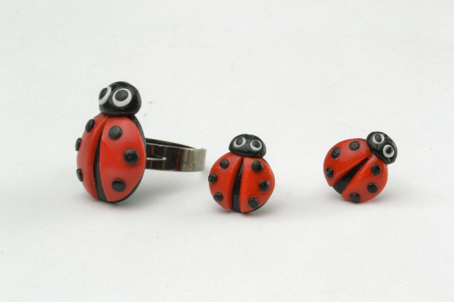 Plastic ring and earrings in the shape of ladybugs photo 3