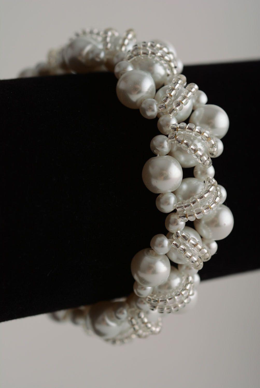 beaded bracelets White beaded bracelet - MADEheart.com