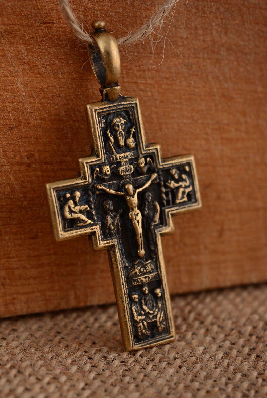 Kruzifix Anhänger aus Metall foto 2