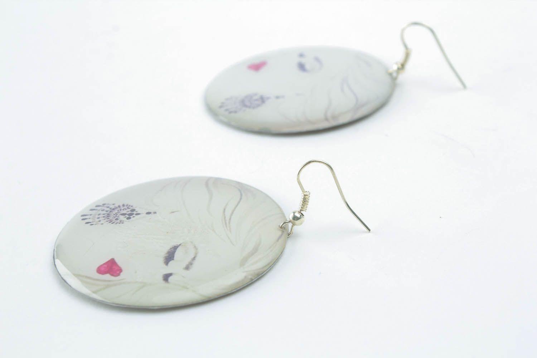 Earrings made of epoxy resin photo 1