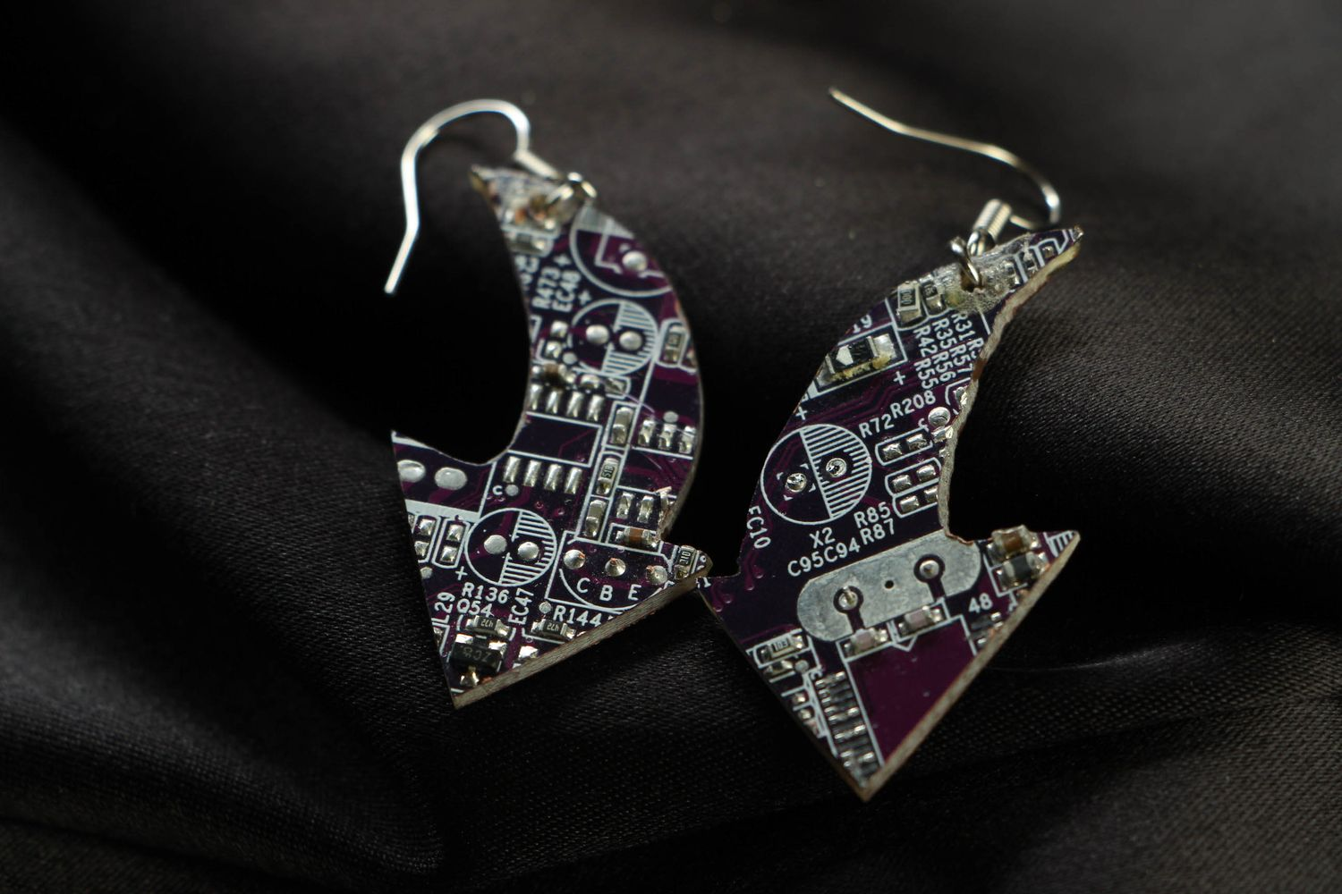 steampunk earrings Violet cyberpunk earrings with microchips - MADEheart.com