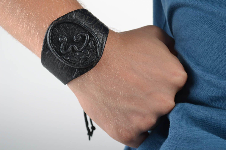 Кожаные браслеты для мужчин