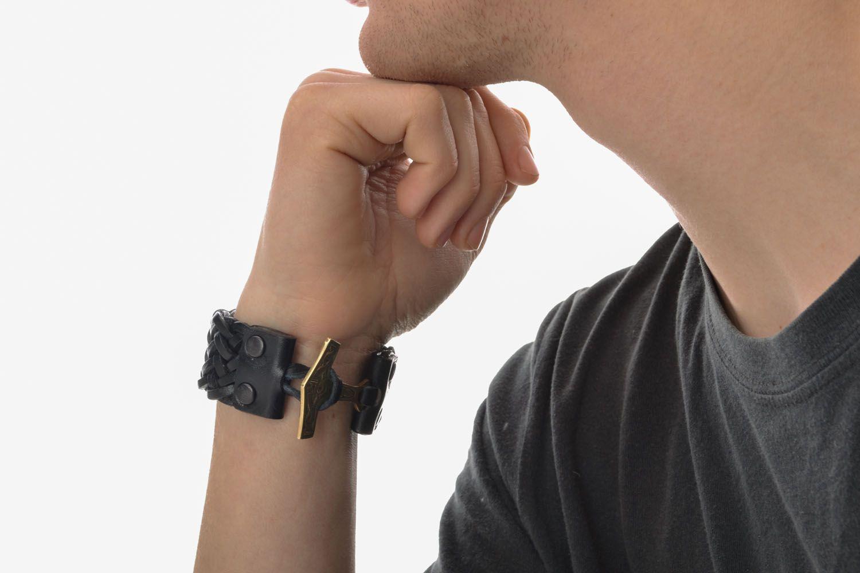 Плетеный браслет из кожи Молот Тора фото 5