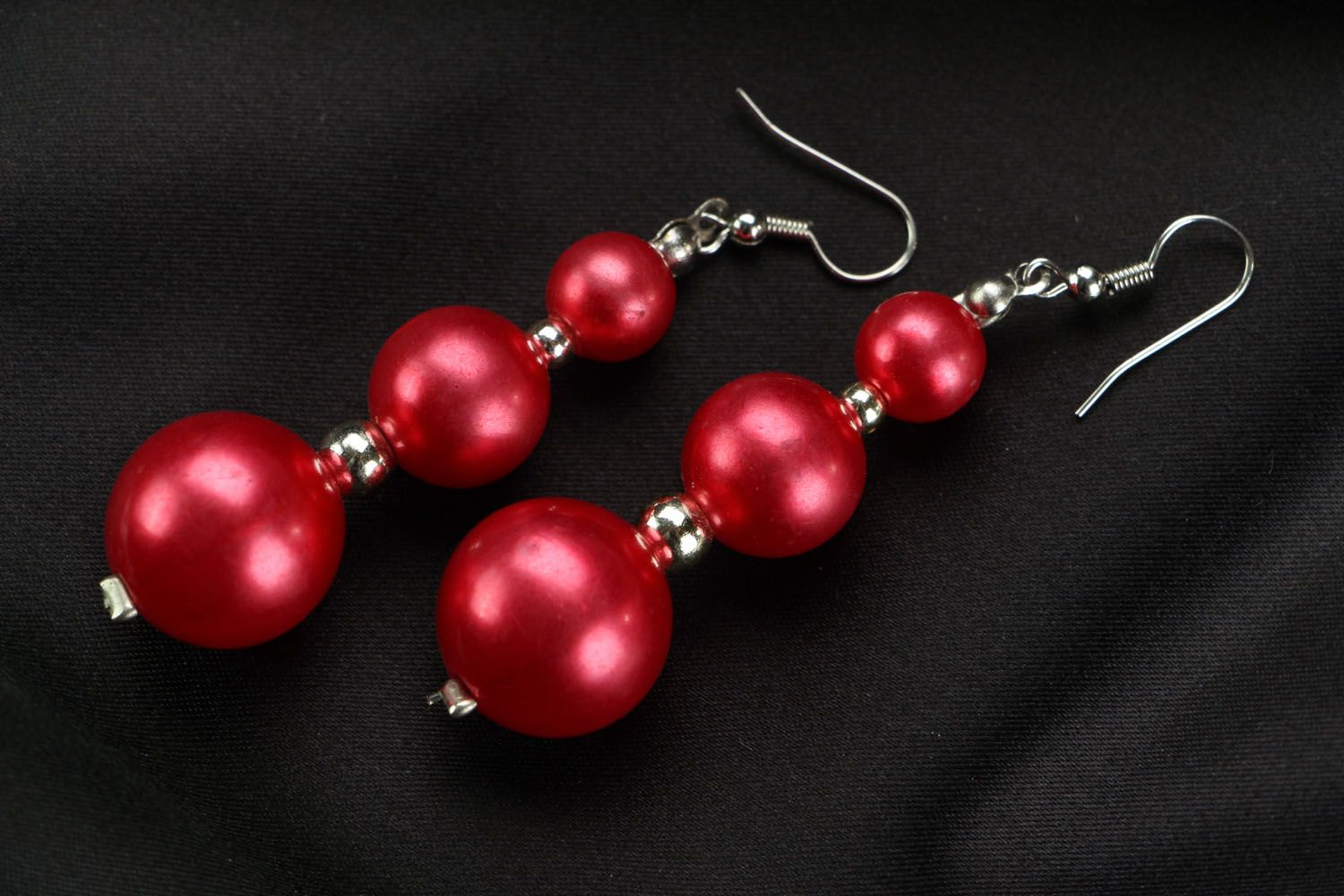 Long earrings with red beads photo 1