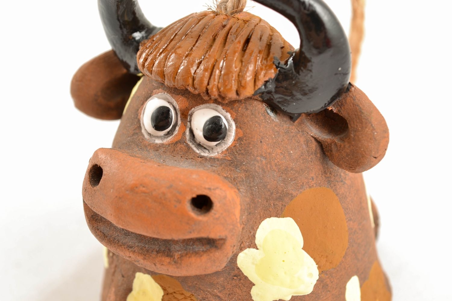Clay bell in the shape of bull photo 2