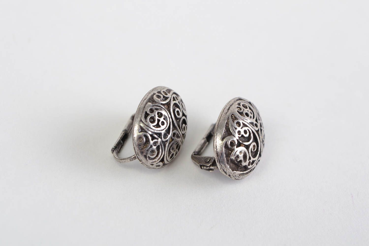 Handmade neat oval ornamented stud earrings cast of hypoallergenic metal alloy  photo 3