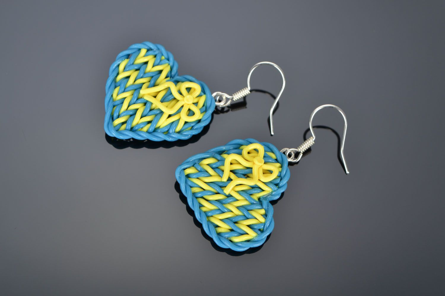 Plastic heart-shaped earrings photo 1