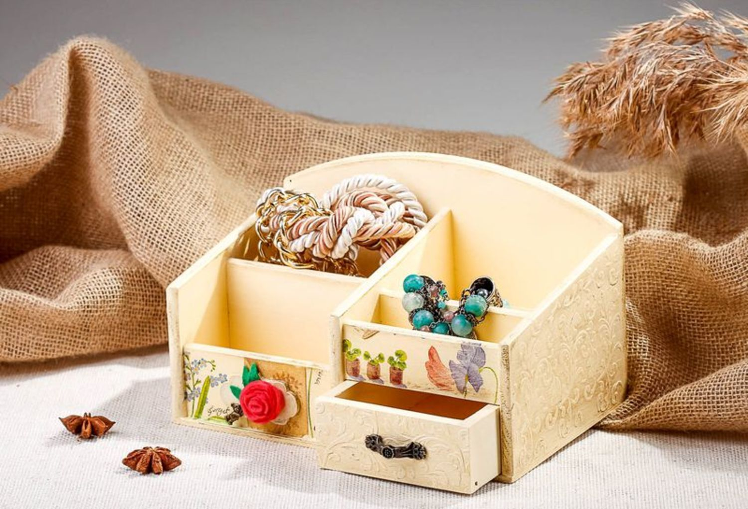 Wooden jewelry box with splotchy effect photo 1