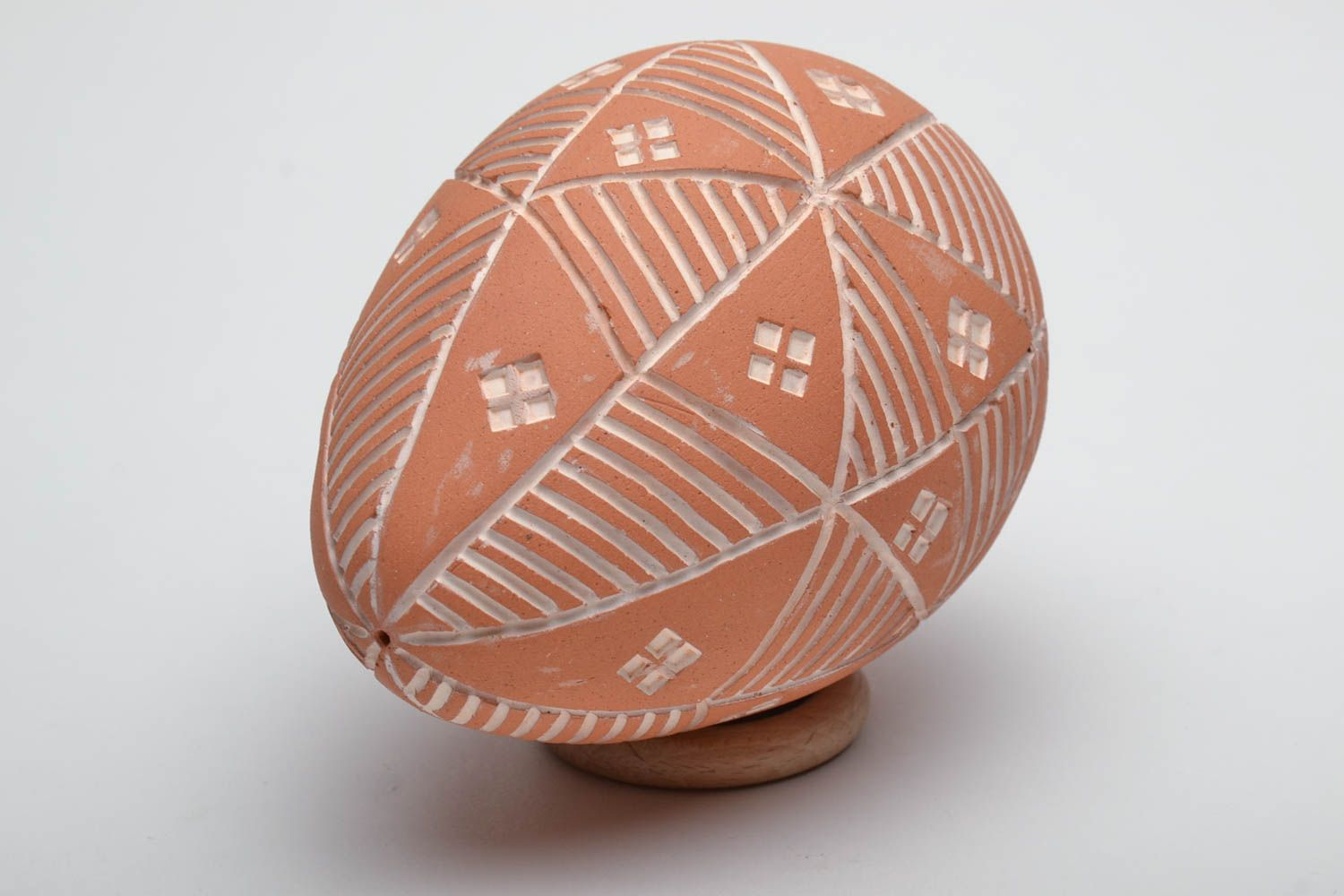 ceramic easter eggs Painted clay Easter egg Sorokoklinka - MADEheart.com