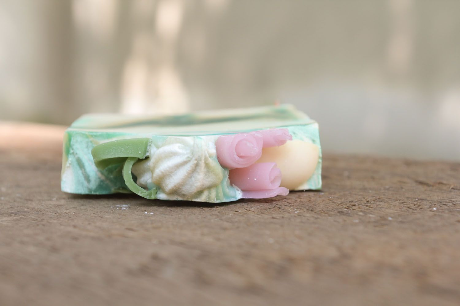 Beautiful soap with menthol photo 3