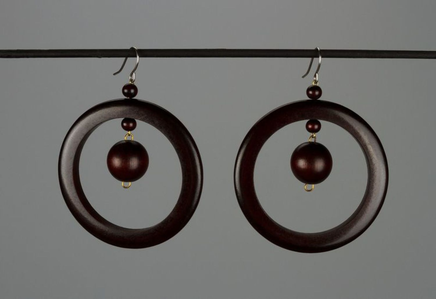 Beautiful earrings made ​​of wood photo 1