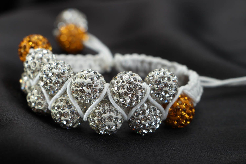 Плетеный браслет с бусинами  фото 2