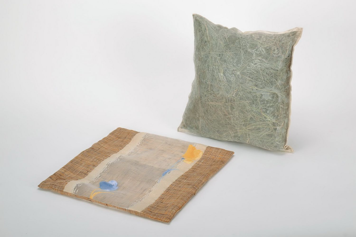Pillow with filler made from herbs photo 3