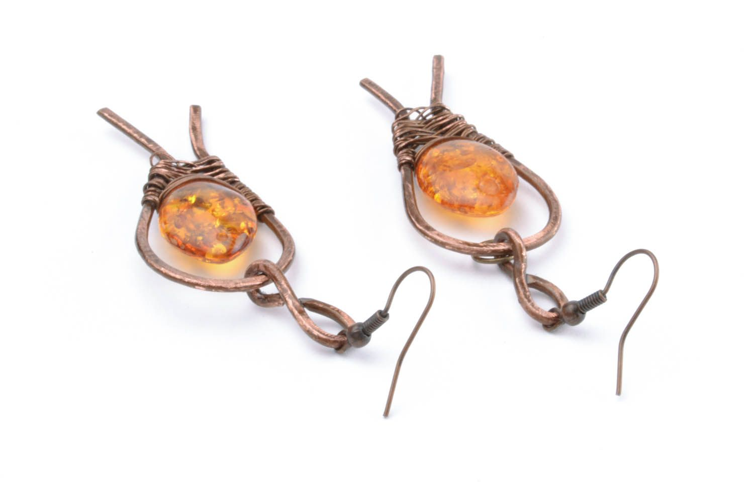 Copper dangle earrings with amber photo 4
