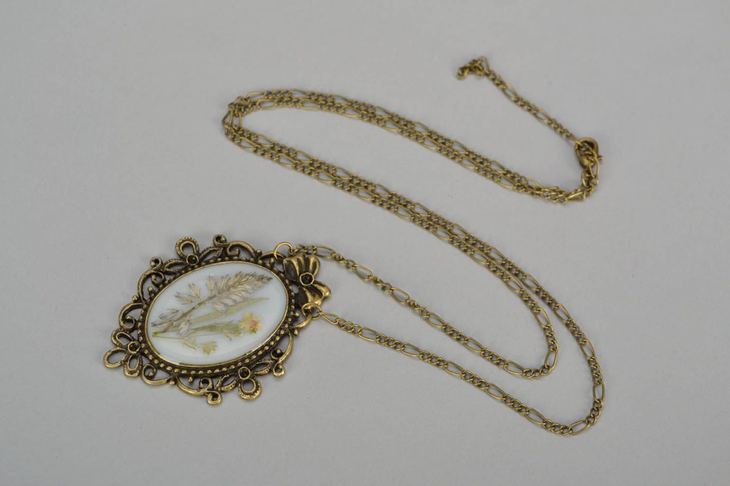 Locket with dry flowers photo 3