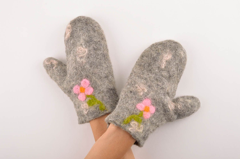gloves and mittens Handmade womens mittens winter mittens wool felting womens accessories - MADEheart.com