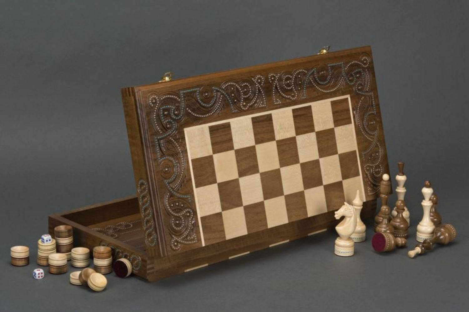 Wooden chess and backgammons photo 1