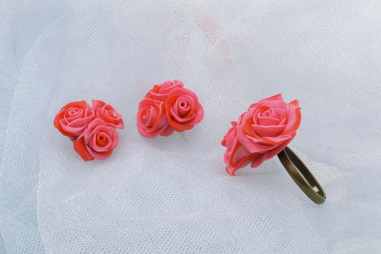 Plastic jewelry set Roses photo 1