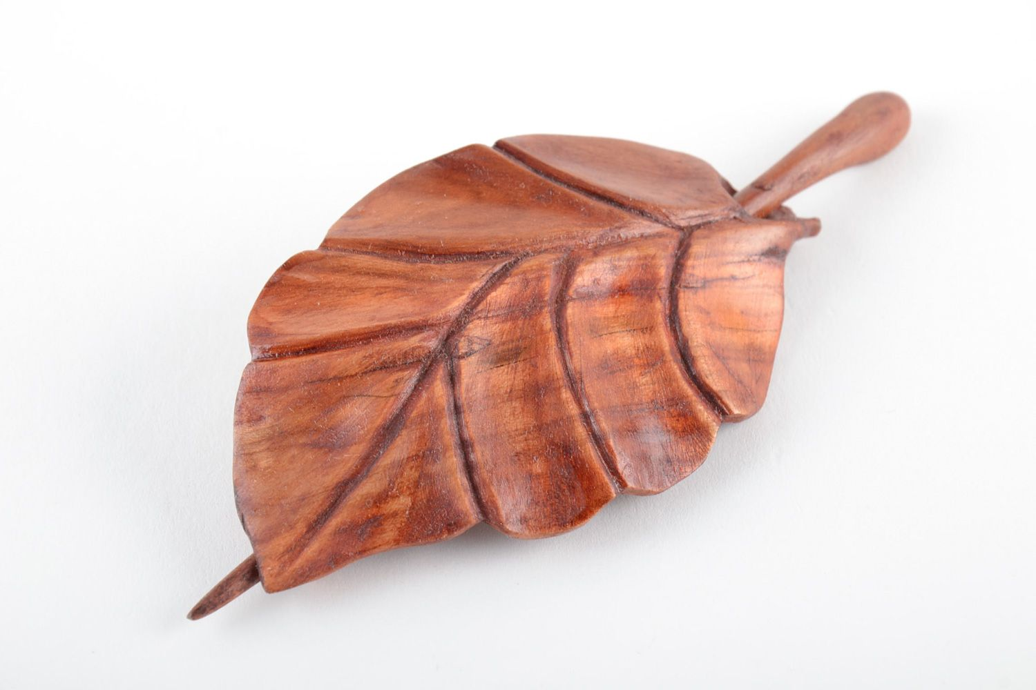 hair clips Handmade carved wooden hair clip in the shape of leaf coated with eco varnish - MADEheart.com