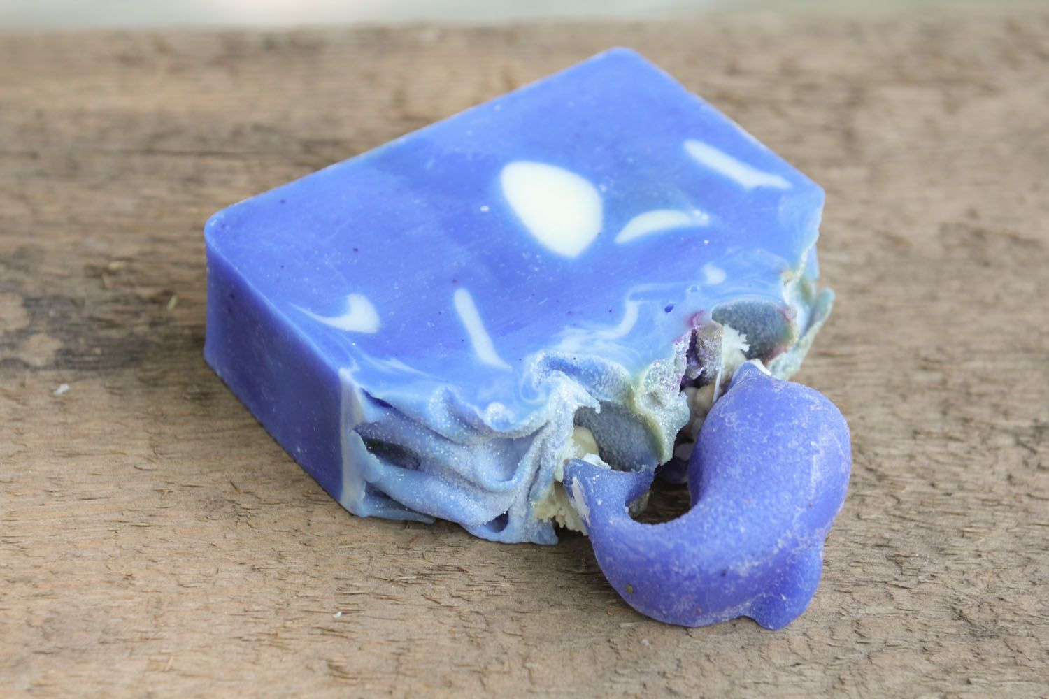 Homemade soap with sandalwood oil photo 4