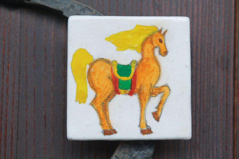 Fridge magnet made of clay Horse photo 1