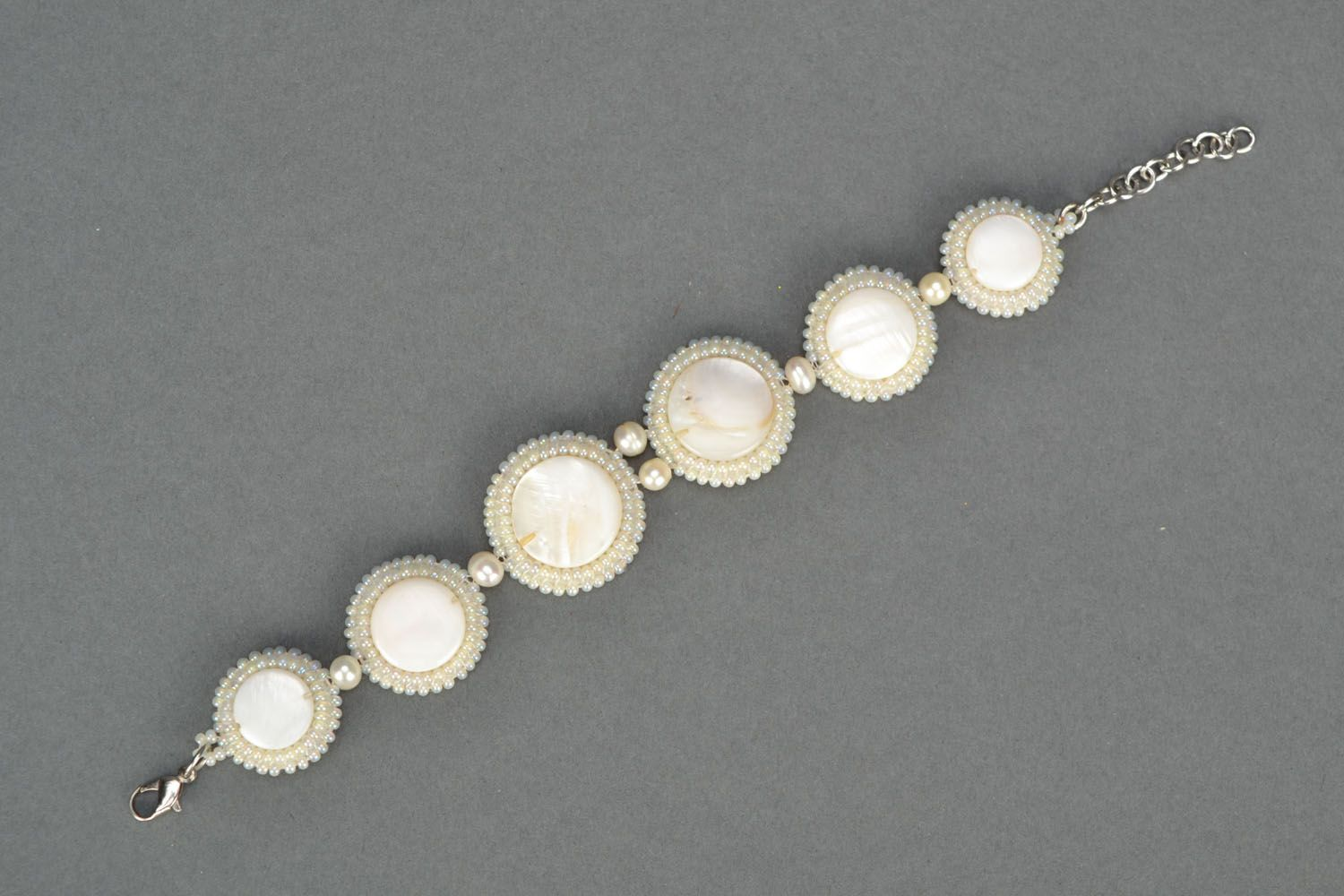 Handmade bracelet with nacre and pearl photo 3