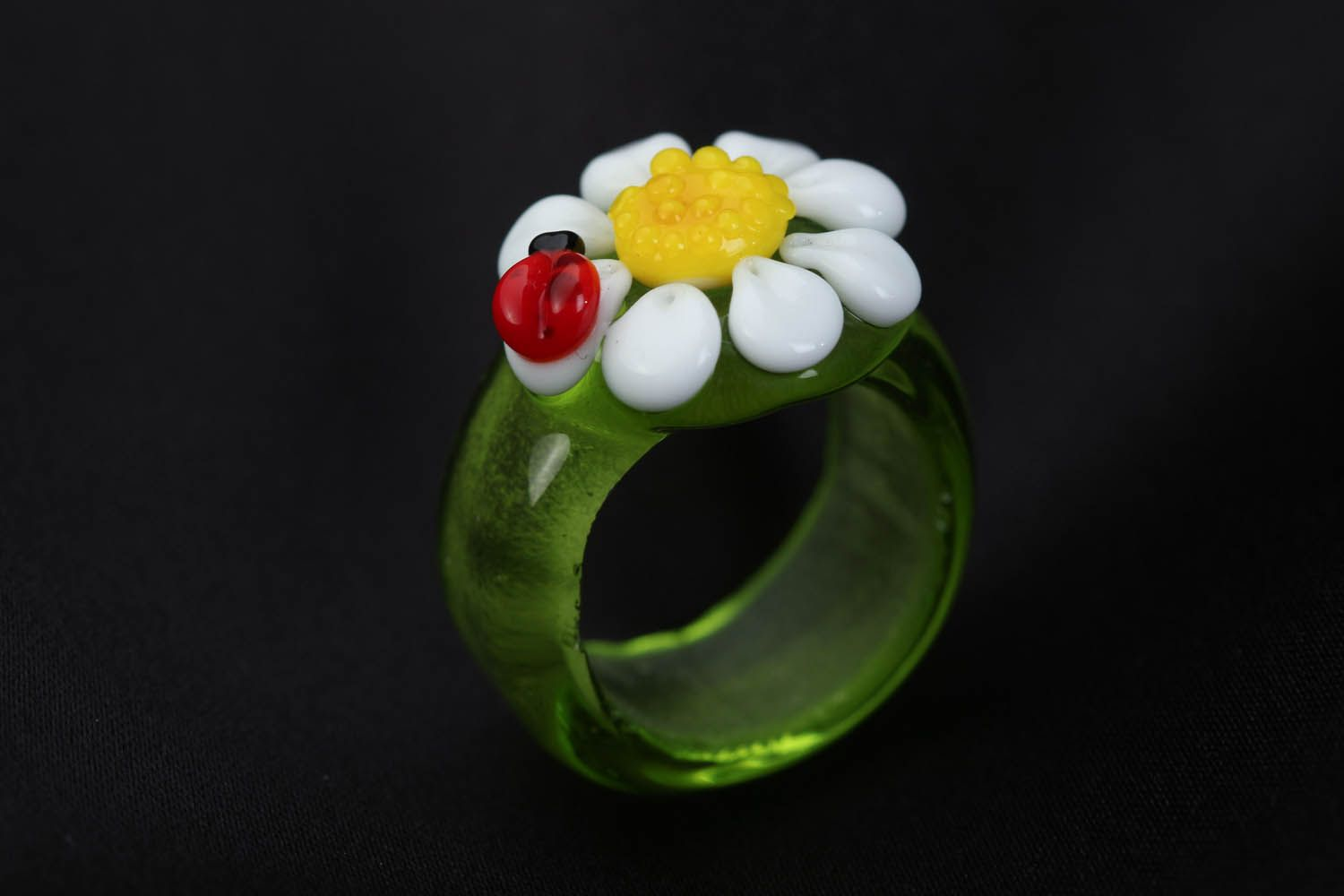 Homemade glass ring Daisy with Bug photo 3