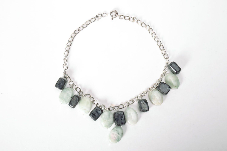 Elegant necklace with nephrite and labradorite photo 2
