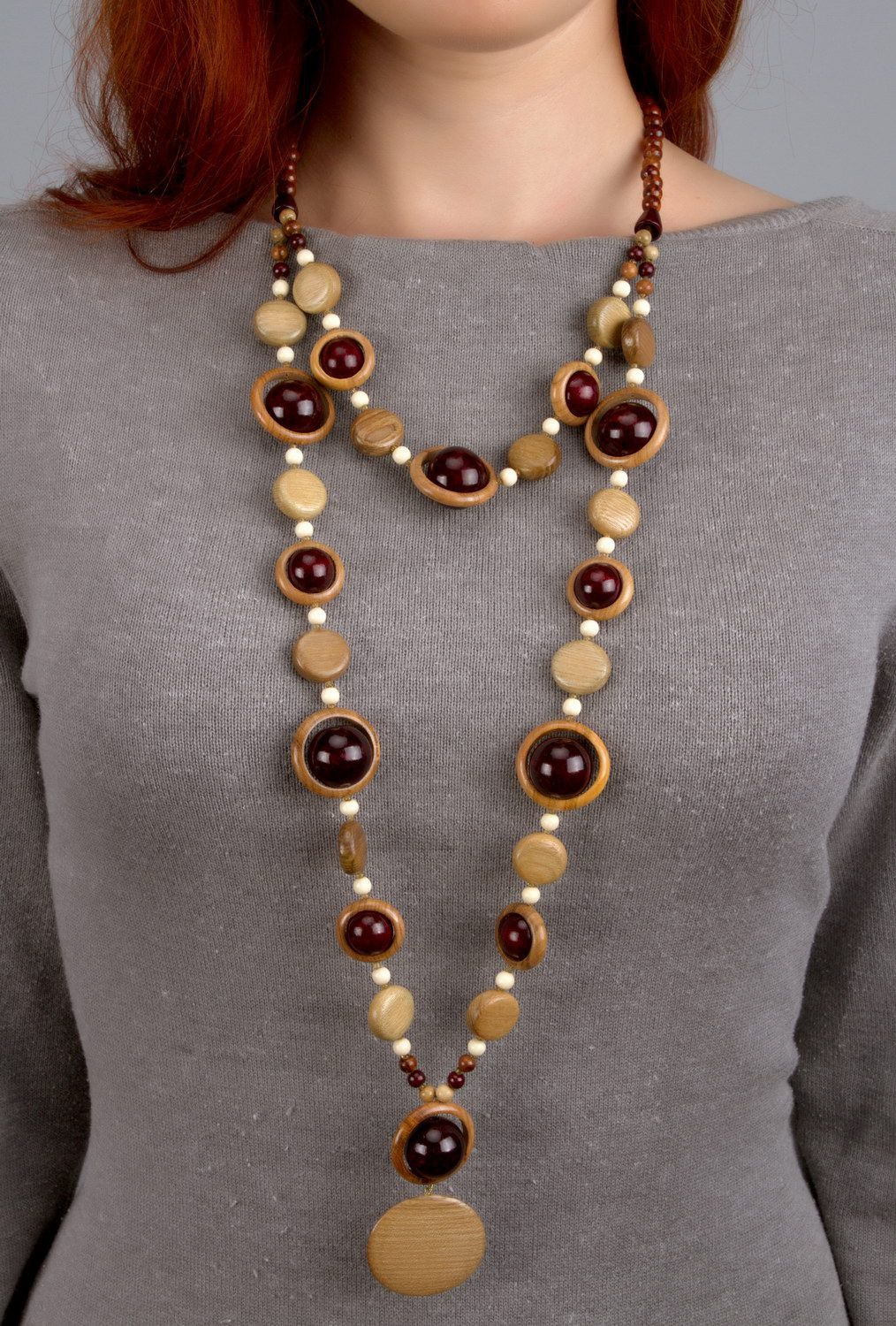 Wooden beaded necklace with clasp photo 4
