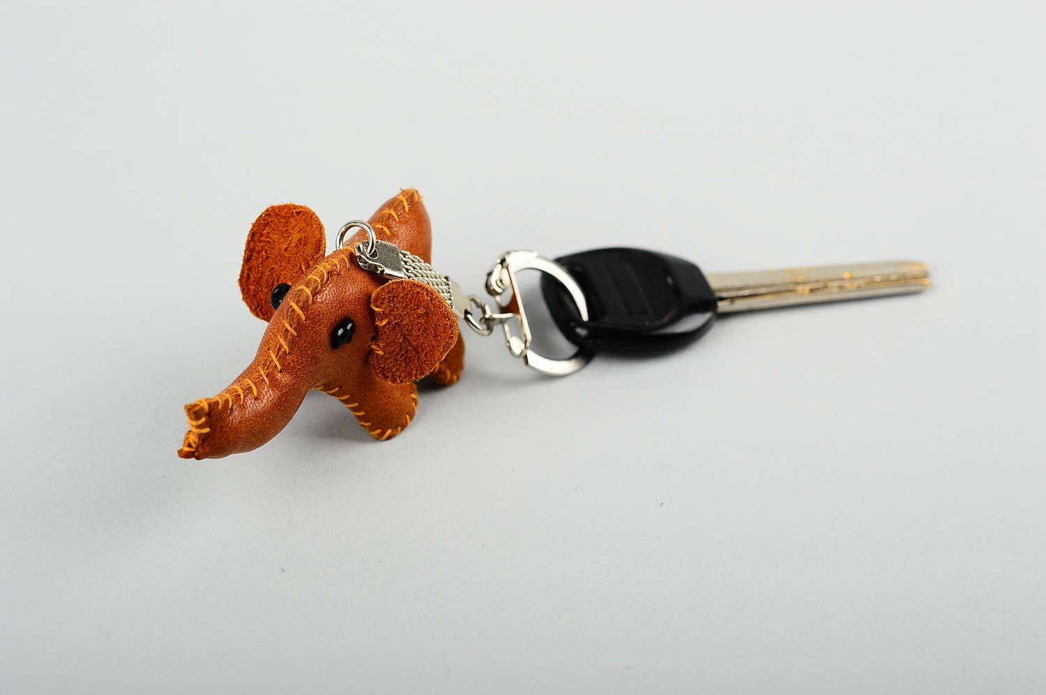 keychains Unusual handmade leather keychain cool keyrings leather goods gift ideas - MADEheart.com