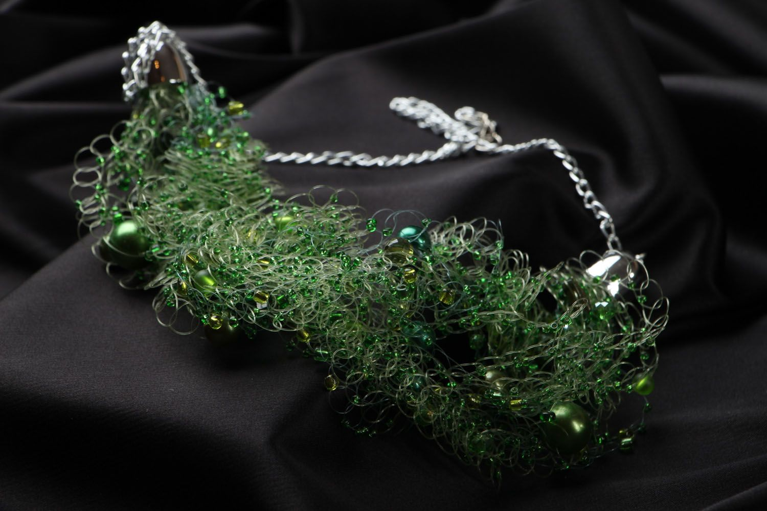 Women's necklace with beads and natural stones photo 2